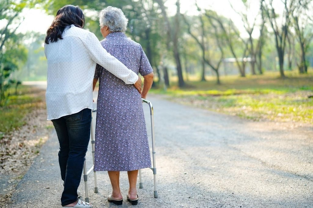 how does alzheimers affect the body and how memory care can help